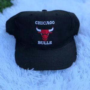 Other - Bulls mens snap back hat